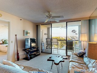 NEW LISTING! Comfortable condo with three shared pools and a hot tub!