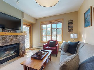 NEW LISTING! Walk to slopes-Village condo w/balcony, views & shared hot tubs/gym
