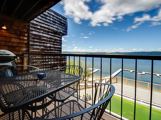 Comfortable lakefront condo w/ shared pool, dock & gorgeous water views!