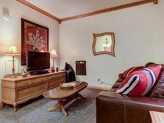 Cozy ski lodge w/ jetted tub, shared pool, hot tub, & sauna!