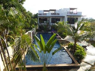 Oasis Garden Pool Villa 4 br