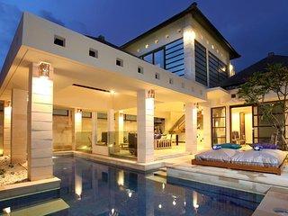 Seminyak 2 BDR Villa with Cozy Living Room
