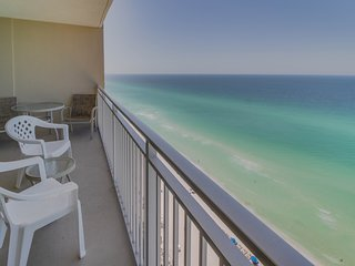 Oceanfront condo w/ shared pool & hot tub near Pier Park - snowbirds welcome!