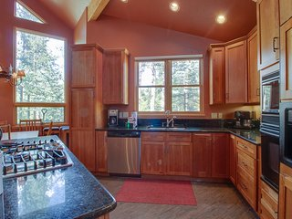Spacious skier's dream mountain home w/ deck, private hot tub & more!