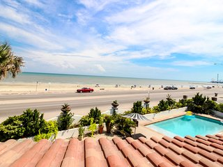 Colorful, oceanfront condo by the beach w/ a shared pool - dogs OK!