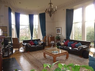 Luxury refurbished traditional apartment in Glasgow's vibrant West End