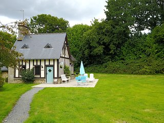'La Petite Maison May' Luxury holiday home in perfect setting.