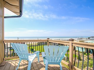 Gorgeous oceanview home w/ hot tub, 1 block to beach access - dog-friendly, too!