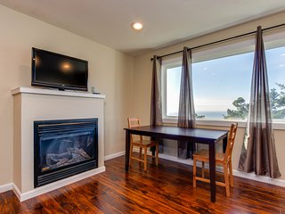 Dog-friendly condo with stunning ocean views and easy access to the beach!