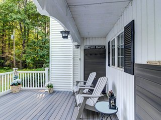 Colonial home with a yard & deck, close to golf & skiing!