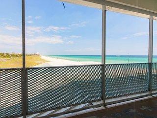 Beachfront condo w/ a shared pool, Gulf views, & easy access! Snowbird rates!