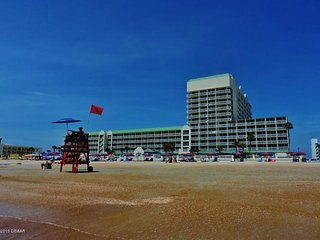 Daytona Beach Oceanfront #416 Indoor/Outdoor Pool