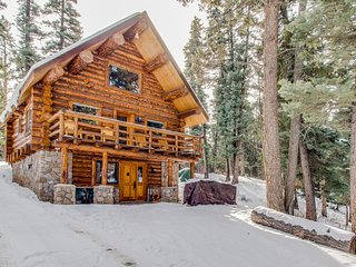 Classic log cabin w/ private hot tub - rustic mountain comfort
