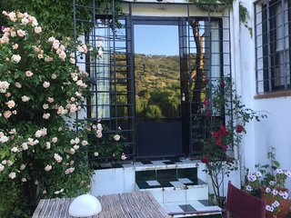verlaluz is a 2 persons self-catering, light arty studio with swimming pool.