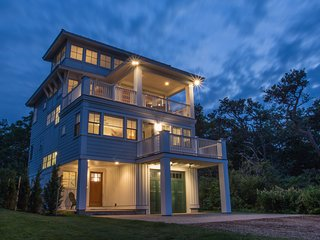 Stunning luxury home w/ fireplace, grill, spacious deck, & ocean views!