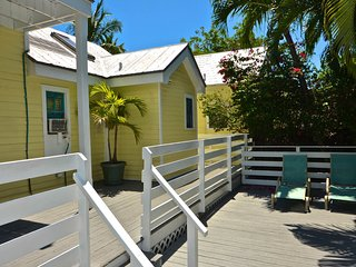 Cozy, dog-friendly condo with views - walk to beach, dining, & attractions