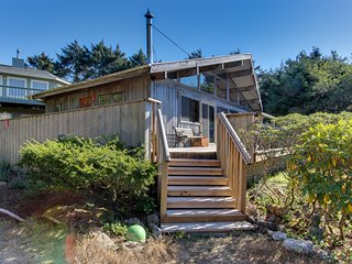 Vintage charm in an oceanfront beach cabin with amazing views