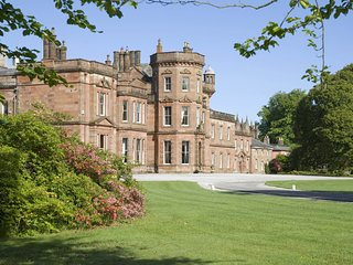 Netherby Hall - Salutation (Sleeps 2)