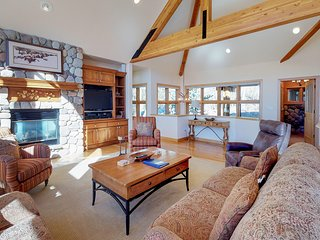 Luxury home with upscale fixtures, private hot tub, shared pool & mountain views