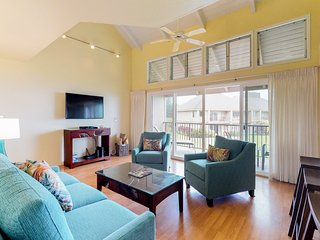 NEW LISTING! Shared pool and hot tub, great ocean views from this condo