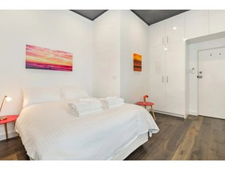 Stylish Hotel Style Room in the Heart Of Manly