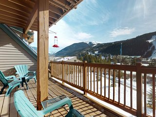 Cozy mountain getaway w/ shared hot tubs & gas fireplace - 6 min walk to slopes!