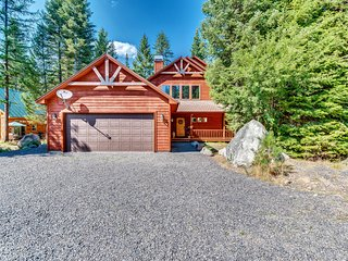 NEW LISTING! Family-friendly home w/shared pool & jet tub - near Payette Lake!