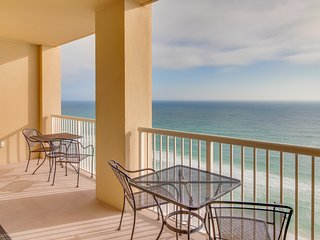 Oceanfront condo with a balcony, shared pool & hot tub, easy beach access