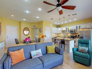Stylish, oceanfront condo w/shared pool & hot tub-walk to the beach