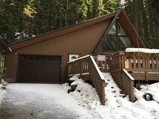 Sierra-At-Tahoe Cabin Located in Strawberry w/ Hot Tub and all the Amenities