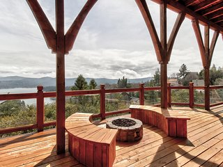 NEW LISTING! Enjoy views from this spacious getaway w/ hot tub & furnished deck