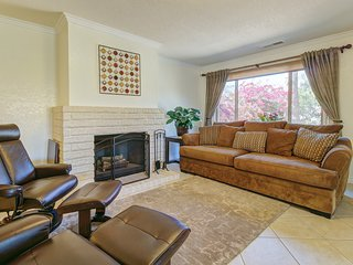 Sunny & bright getaway w/ private pool & furnished patio - perfect for Coachella
