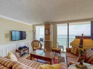Spacious, beachfront condo w/ shared pool & ocean views