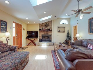 NEW LISTING! Dog-friendly cottage with private hot tub and fenced backyard!