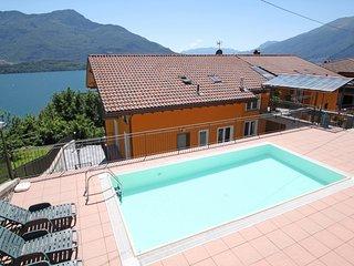 2 bedroom Apartment in Consiglio di Rumo, Lombardy, Italy - 5560163