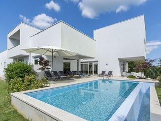 4 bedroom Villa in Tomisici, Istarska Zupanija, Croatia - 5560521