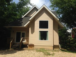 Vacation Rental:  Boundary Cottage
