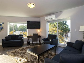 301-1 Bedroom Corner King Condo
