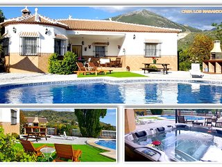 RURAL HOUSE IN MALAGA WITH POOL AND HOT WATER JACUZZI 20 km OF THE BEACH