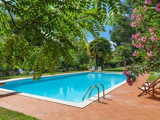 Modanella Villa Sleeps 6 with Pool and WiFi - 5229549