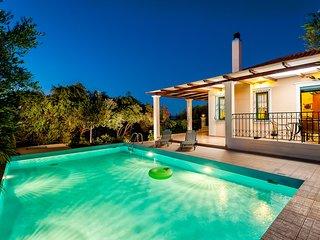 2Private pool★Sea view★12 sleeps★Beach at 1km★6 Bedrooms