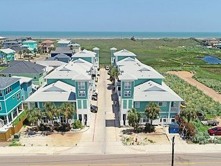 Spacious, mult- level condo in the heart of Port Aransas!
