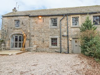 2 THE COACH HOUSE, woodburner, stonework, in Romaldkirk, Ref. 970654