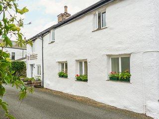 BECKFOLD COTTAGE, semi-detached, woodburner, parking, garden, near Ulverston