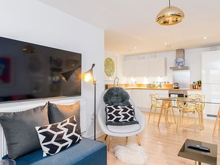 Charming 1BR Home in Brixton w/Balcony, 2 guests