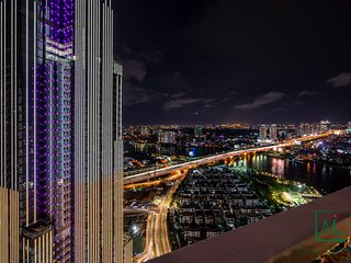 VINHOMES COZY & LUXURY APARTMENT FOR GROUP/FAMILY W/ LANDMARK 81 VIEWS -2/BED