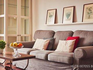 Augusta Comfort apartment in Eixample Esquerra with WiFi, air conditioning, balc