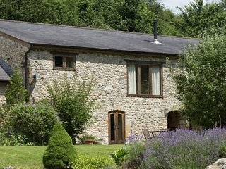 72424 Cottage situated in Crewkerne (3mls W)