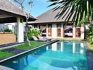 Honeymoon Package with Sweet Balinese Set Up