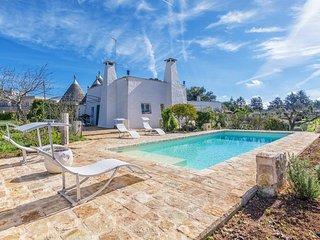 Stylish Puglia trullo with private pool, BBQ, vegetable garden
